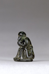 074. Seated Figure on Base - Geometric