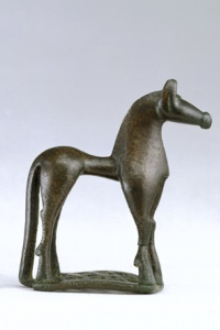 077. Horse on Openwork Base - Geometric